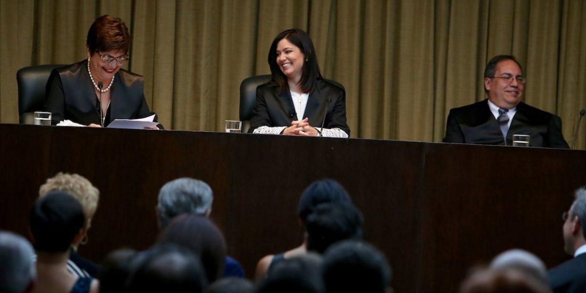 Evaluarán función notarial en la Isla