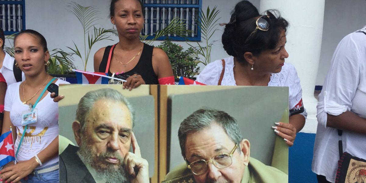 Fotos: Santiagueños esperan las cenizas de Fidel Castro