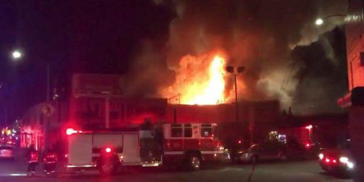 Temen que hayan muerto 40 personas por incendio en Oakland