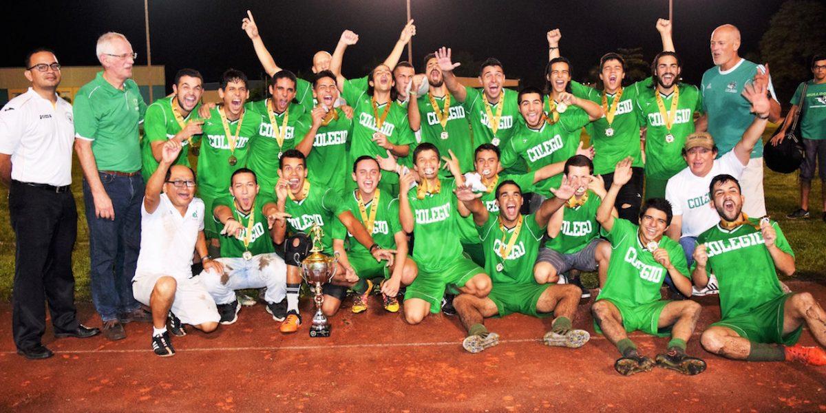 LAI: Colegio se titula campeón del fútbol universitario