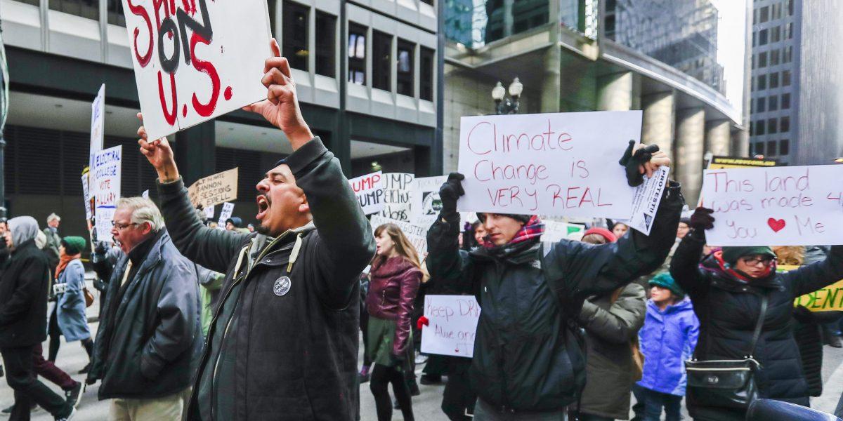 Inmigrantes de Los Ángeles vuelven a las calles para protestar contra Trump