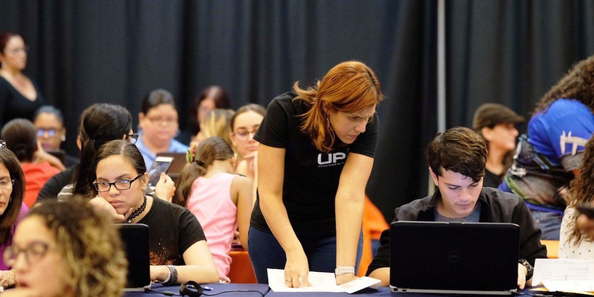 Cientos de estudiantes de la isla recibieron asistencia gratuita para completar su solicitud de Fafsa