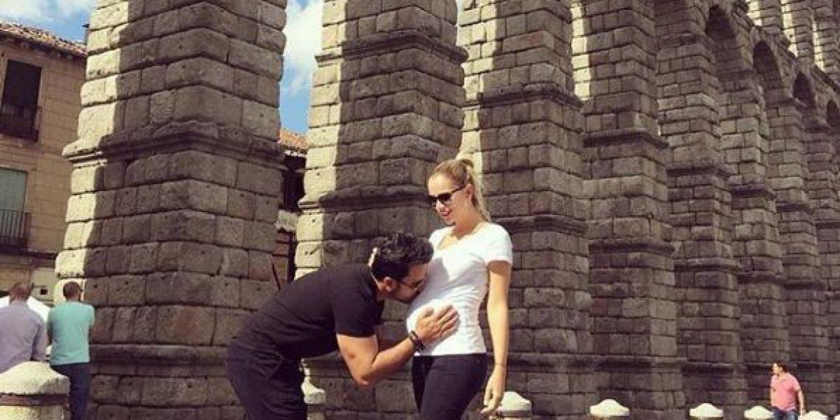 Esposa de Luis Fonsi publica tierna foto en avanzado estado de embarazo