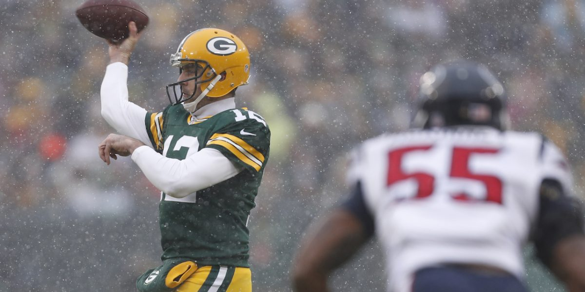 Packers ganan e igualan su récord a 6-6