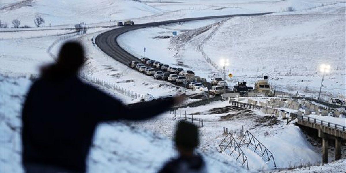 Gobierno federal bloquea trayecto de oleoducto
