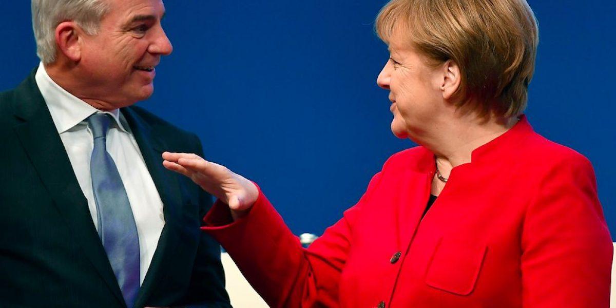 Merkel gana reelección como jefa de la UDC alemana