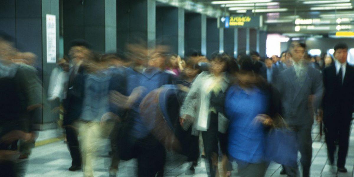 Los Ángeles refuerza seguridad por amenaza de ataque a tren suburbano
