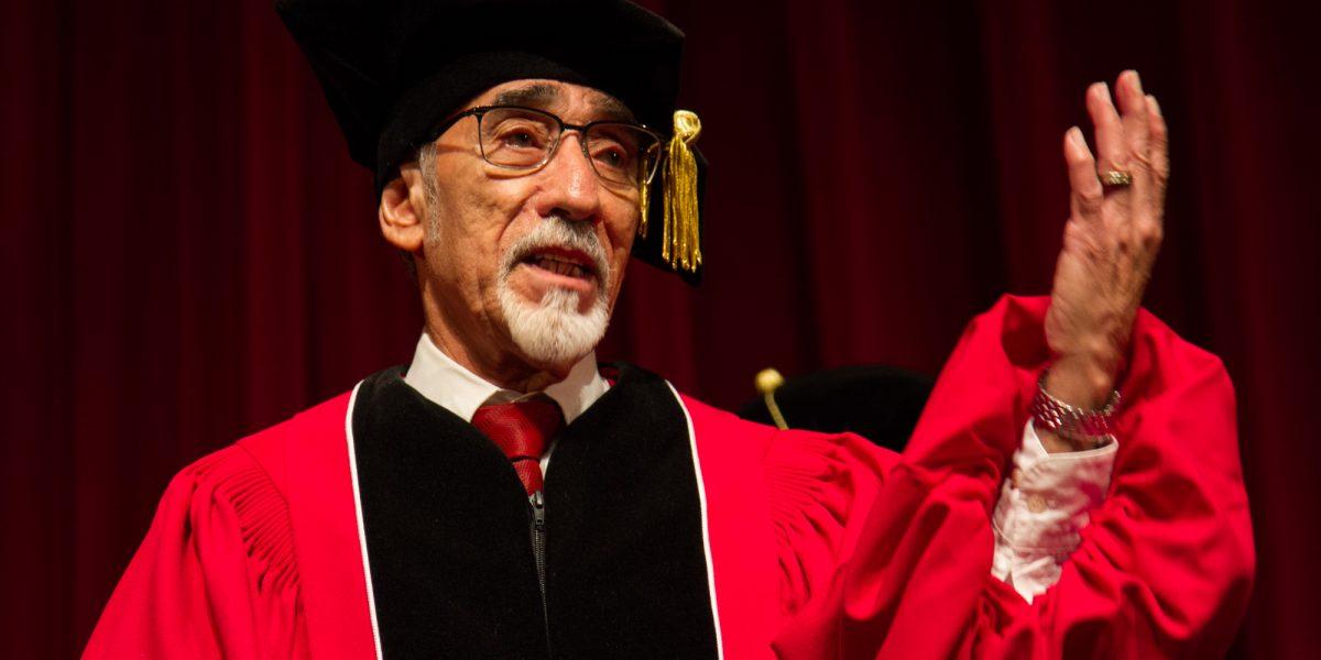 Director de la Tuna de la UPR recibe grado de Doctor Honoris Causa en Artes