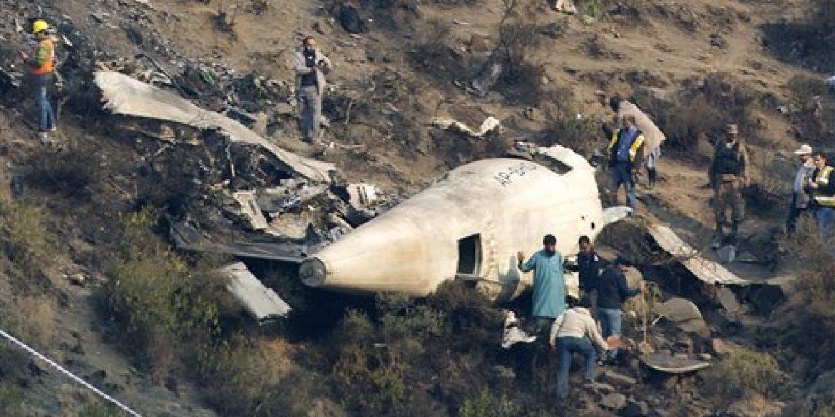 Pakistán investiga accidente de avión
