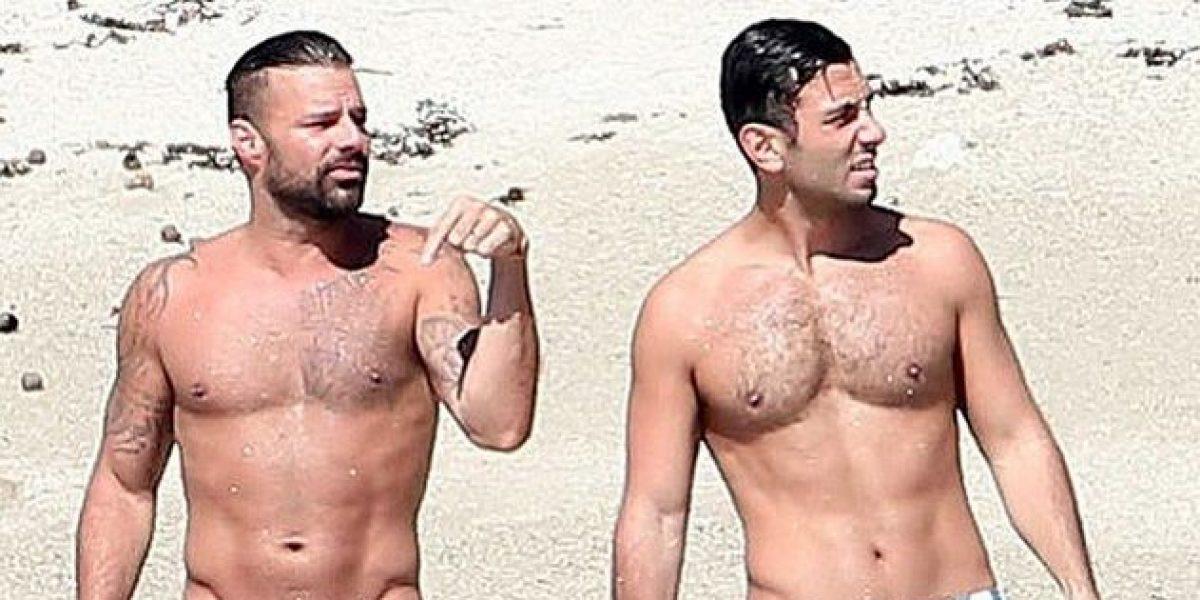 Ricky Martin y su futuro esposo lo dan todo en la playa