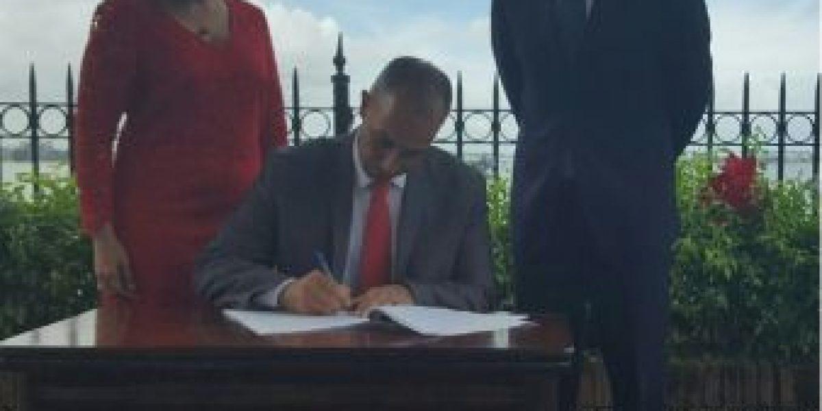 Gobierno firma medidas administrativas a favor de personas trans