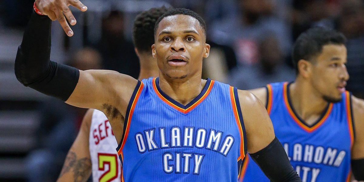 Westbrook empata marca de Jordan de triples-dobles y James supera a Hayes