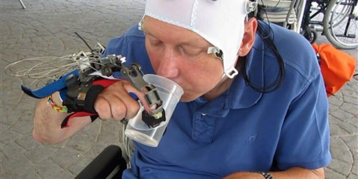 Desarrollan mano robótica para personas con cuadriplegía