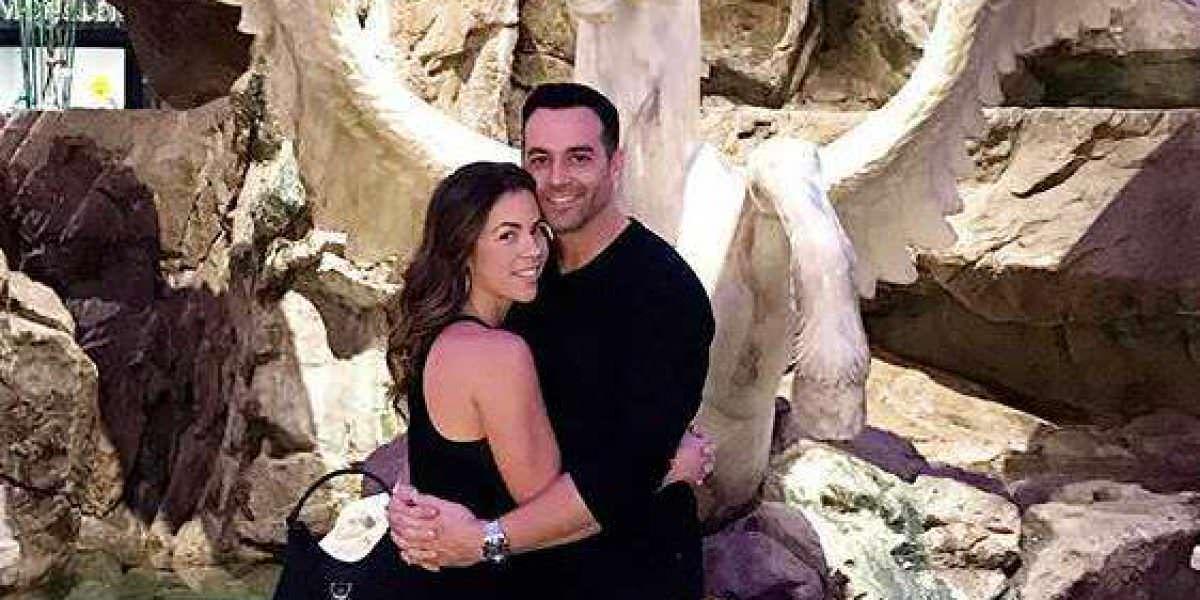 Ximena Duque se compromete con su novio