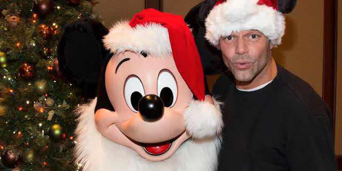 Ricky Martin disfruta con sus hijos en Disney