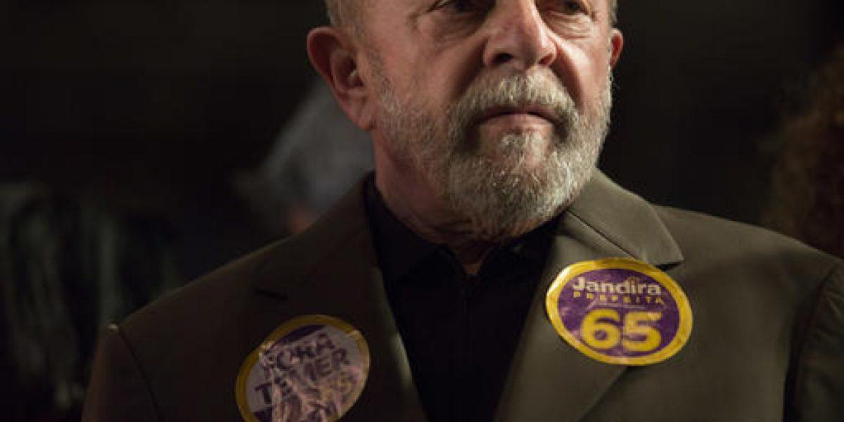 Acusan a expresidente de Brasil de corrupción