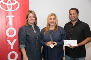 Maribel Bengoa, gerente de mercadeo, Toyota de Puerto Rico; Ana Romero y Cristóbal Jiménez de Coalición Pro Corredor Ecológico del Noreste.. Imagen Por: