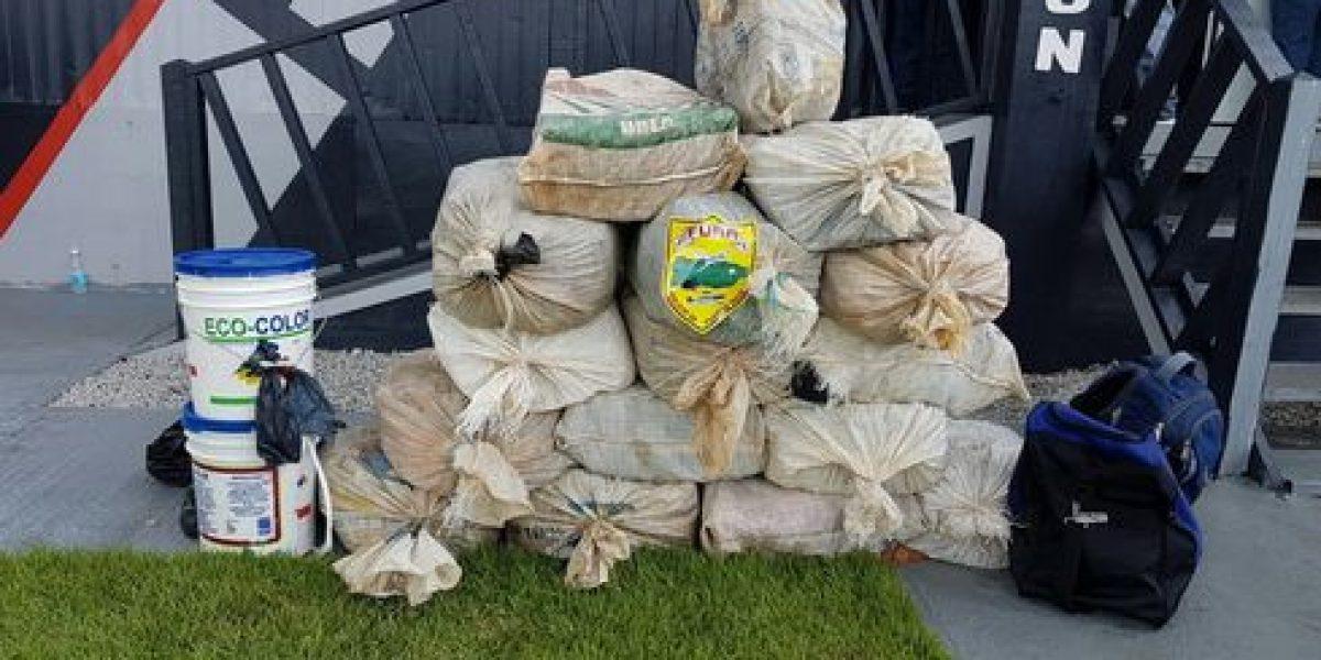 Ocupan 400 kilos de cocaína en embarcación en playa de Yabucoa