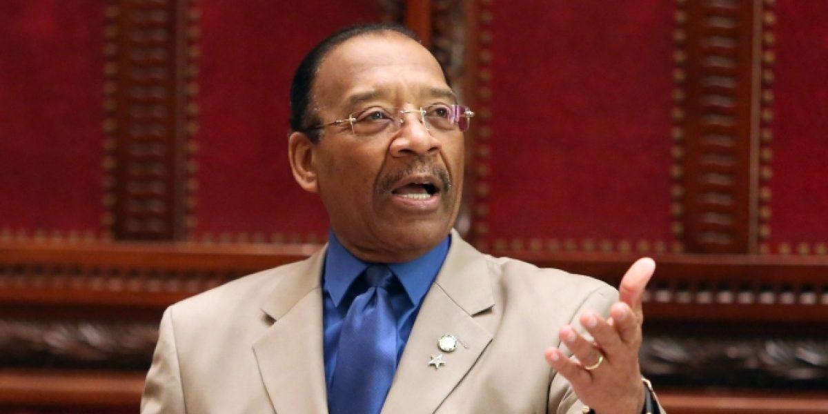 Senador boricua del Bronx denuncia