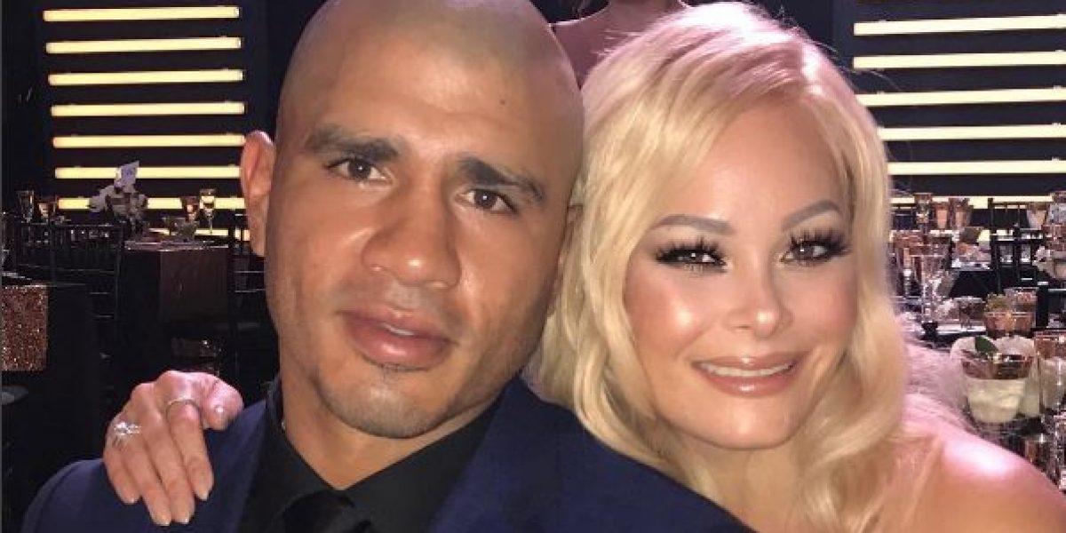 Lucía la esposa de Miguel Cotto por reconocimiento al boxeador