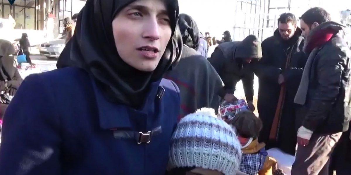Niña tuitera y su madre son desalojados de Alepo