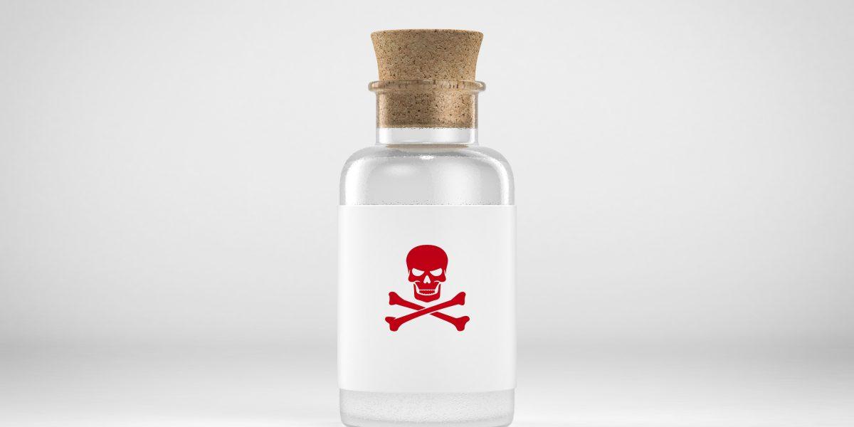 Casi 60 muertos en Rusia por letal sustancia vendida como alcohol