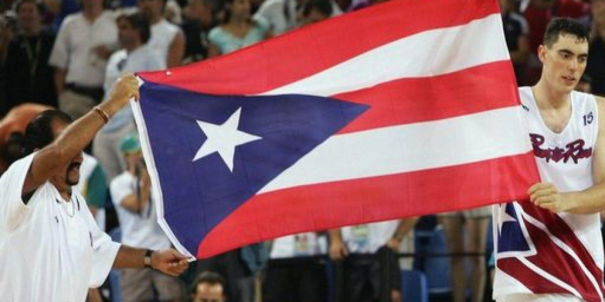 De aniversario la bandera puertorriqueña