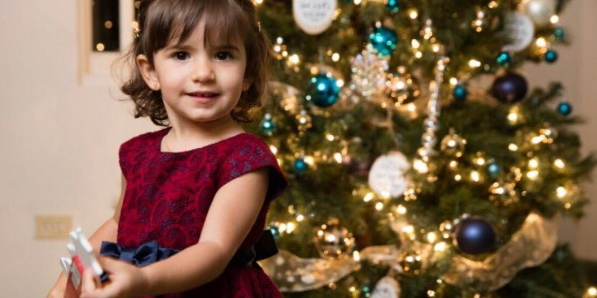 Figuras y celebridades celebran época navideña