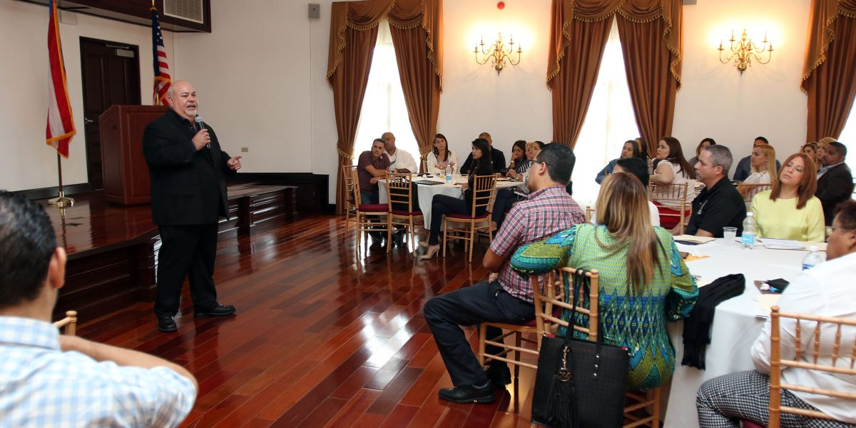 Adiestran personal Cámara en trámites y protocolos legislativos