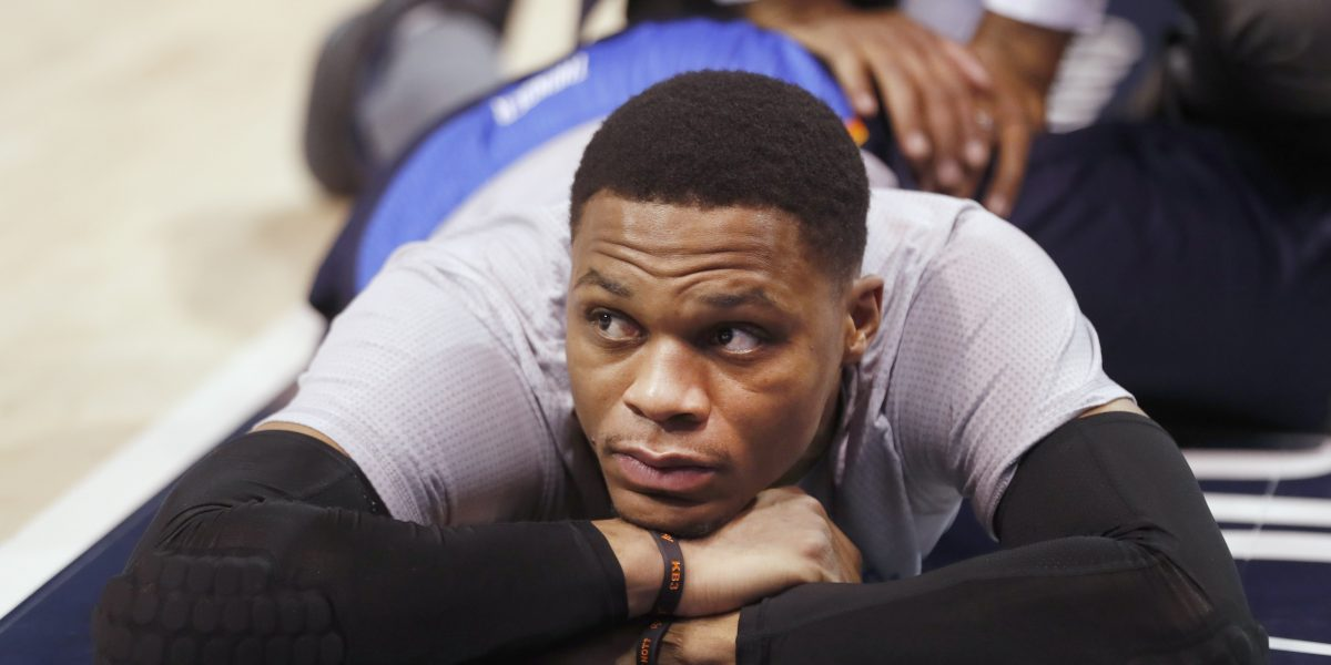 Westbrook logra  otro triple-doble