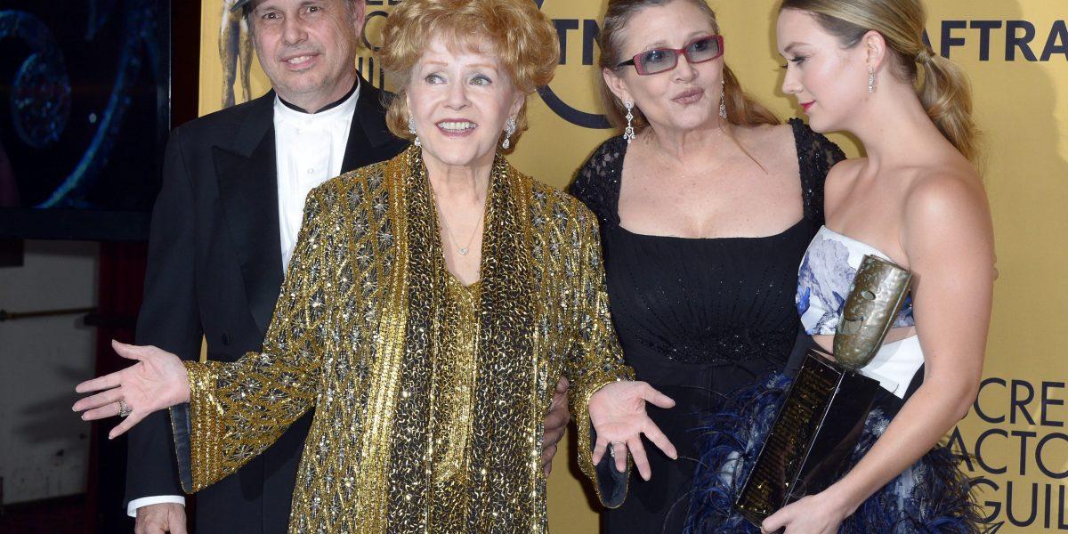 Familiares de Debbie Reynolds y Carrie Fisher planean un funeral conjunto