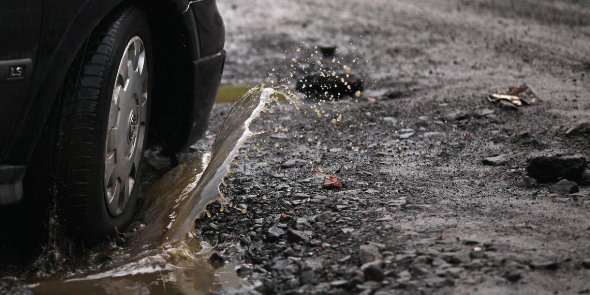Claman arreglo de deterioradas carreteras en Arecibo