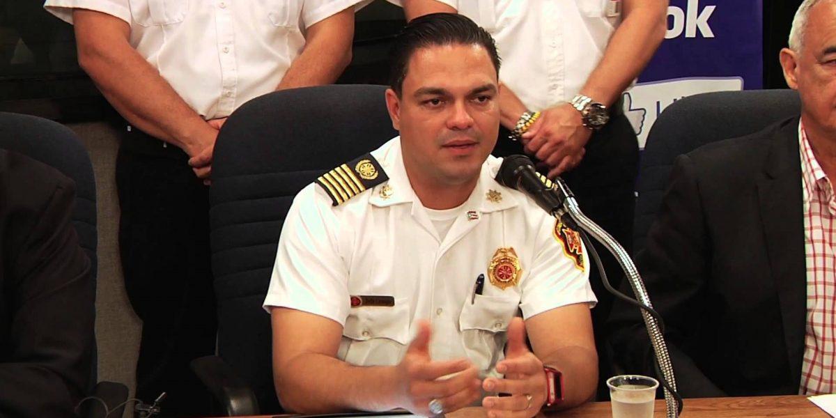 Renuncia Ángel Crespo a jefatura de Bomberos y AEMEAD