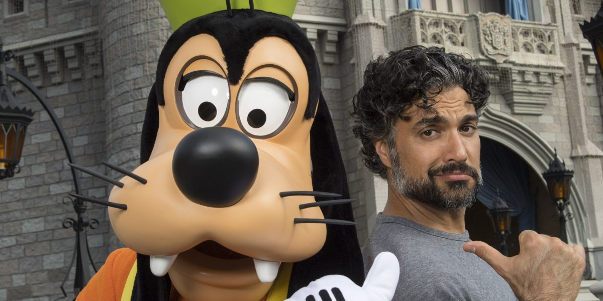 Jaime Camil de paseo en Walt Disney World Resort