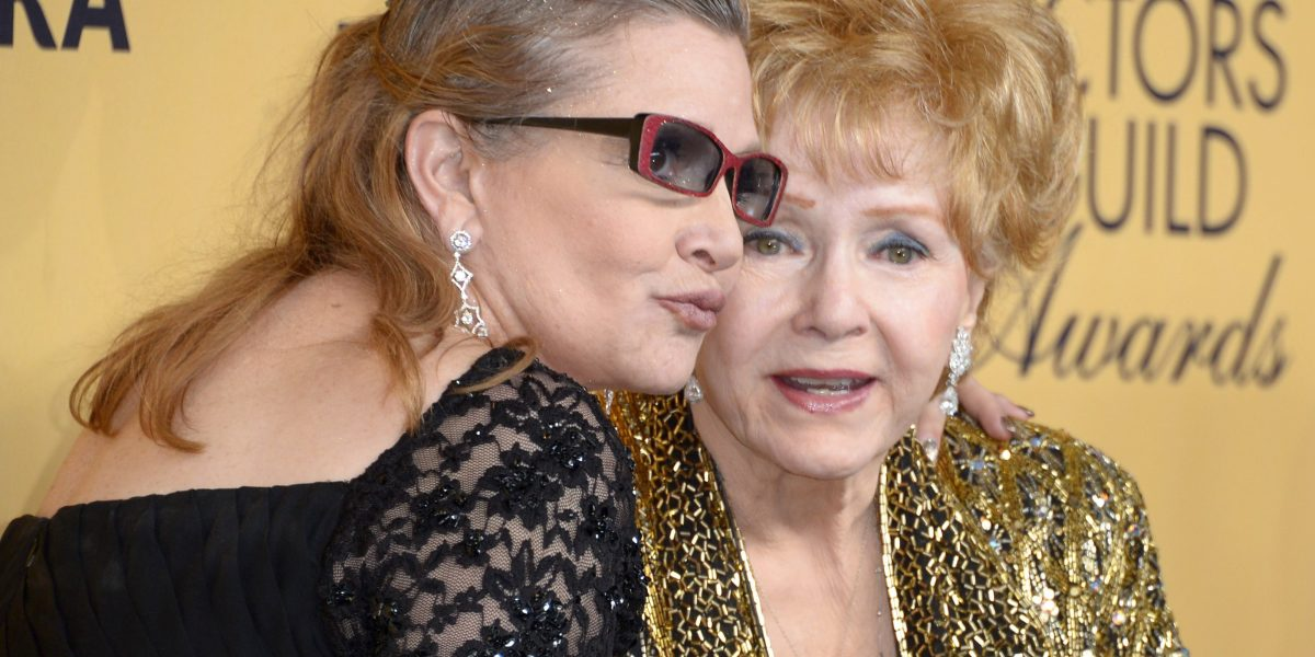 Debbie Reynolds y Carrie Fisher tendrán funeral íntimo