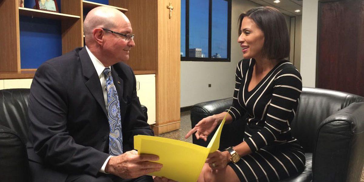 Encuentro entre designada directora de la ACAA y saliente jefe de la agencia