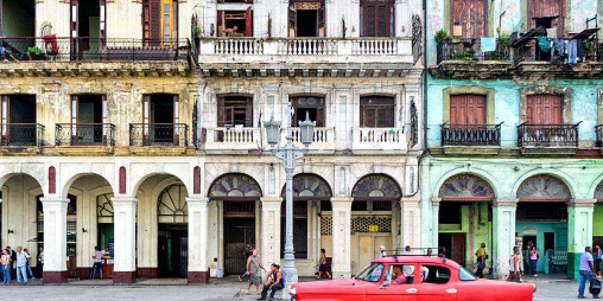 Ofrecen conferencia magistral sobre racialidad en Cuba y Puerto Rico