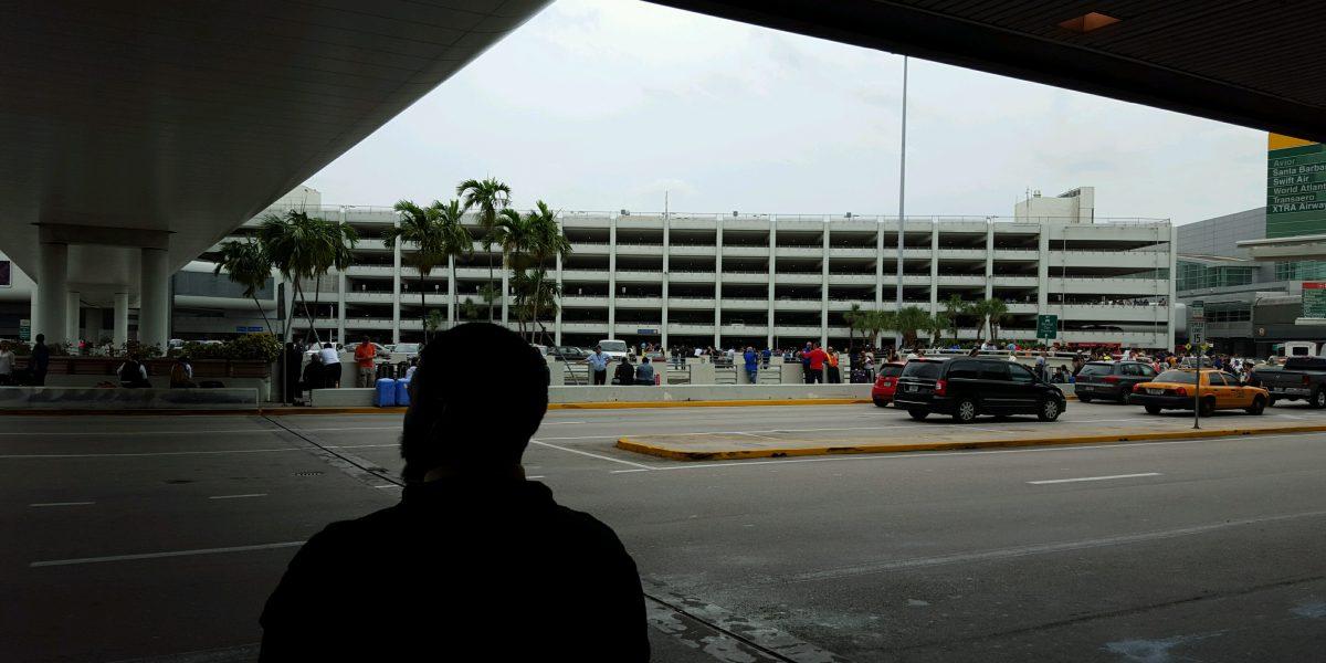 Al menos 5 muertos por tiroteo en aeropuerto de Fort Lauderdale