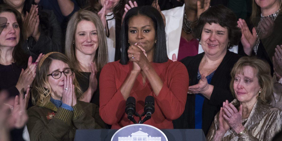 Michelle Obama se despide pidiendo esperanza frente al miedo