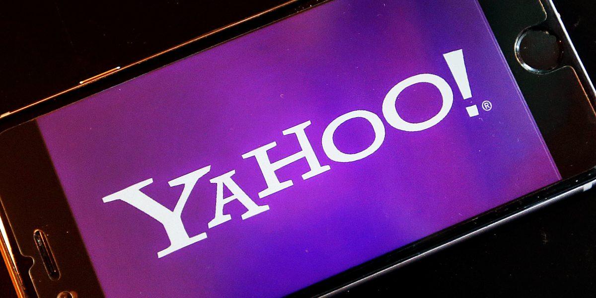 Yahoo borra tuit sobre Trump que tenía insulto racista