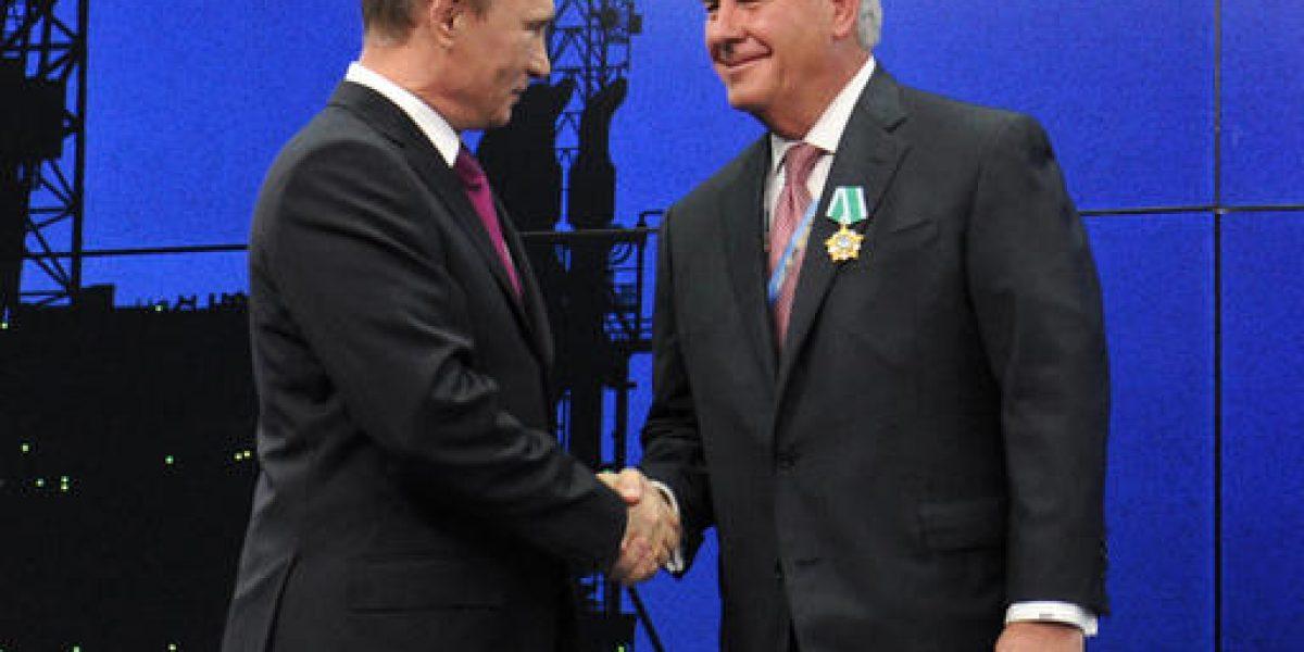 Moscú niega tener información comprometida sobre Trump
