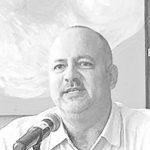 Dr. Mario Roche - Catedrático de la Escuela de Comunicaciones de la Universidad de Puerto Rico