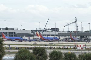 Reabre área del aeropuerto de Fort Lauderdale donde ocurrió tiroteo