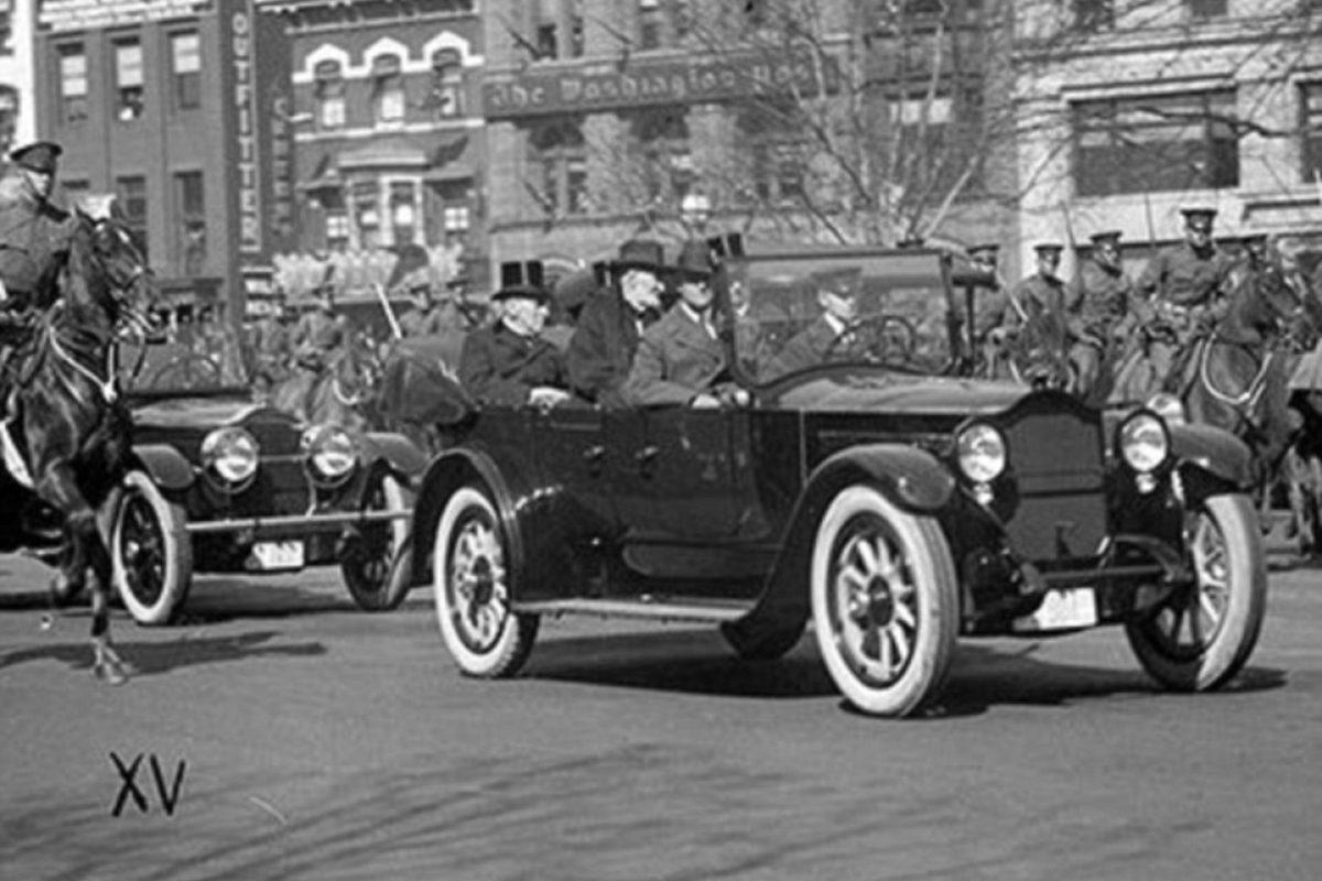En 1912, el presidente Warren G. Harding fue el primero que usó un carro presidencial hacia y desde su inauguración.