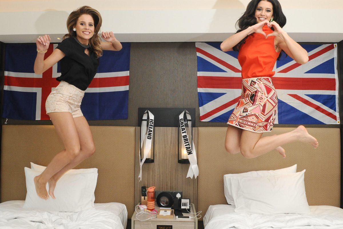© Miss Universe Organization. Imagen Por: Miss Islandia, Hildur Maria Leifsdótti y Miss Gran Bretaña, Jaime-Lee Faulkner.