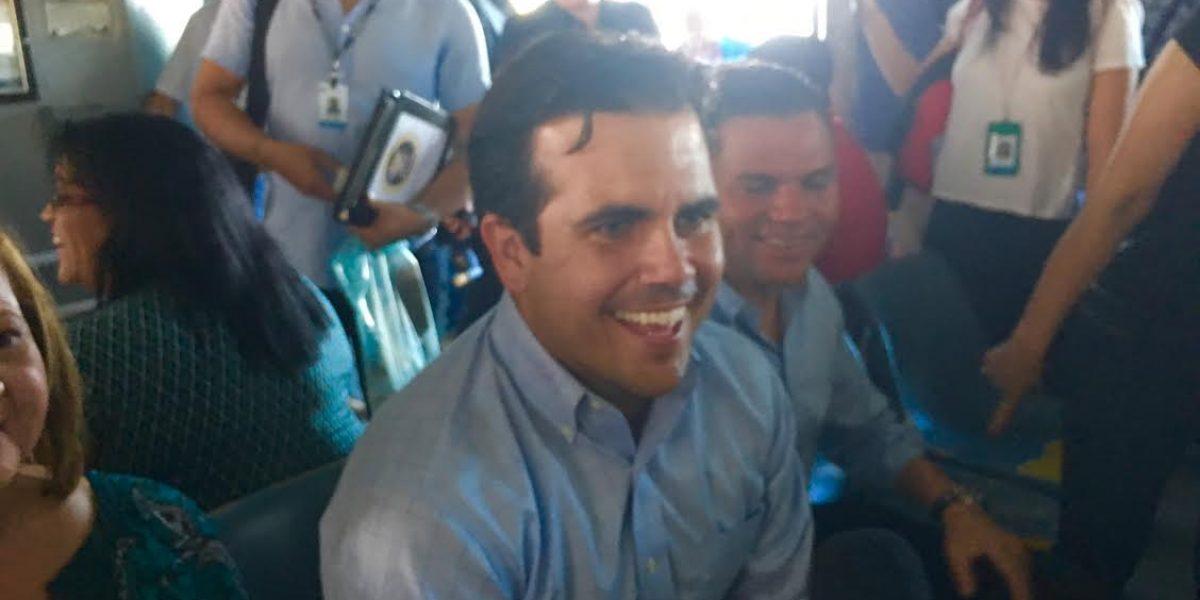 Gobernador y alcalde de Cataño llegan a la SanSe en lancha