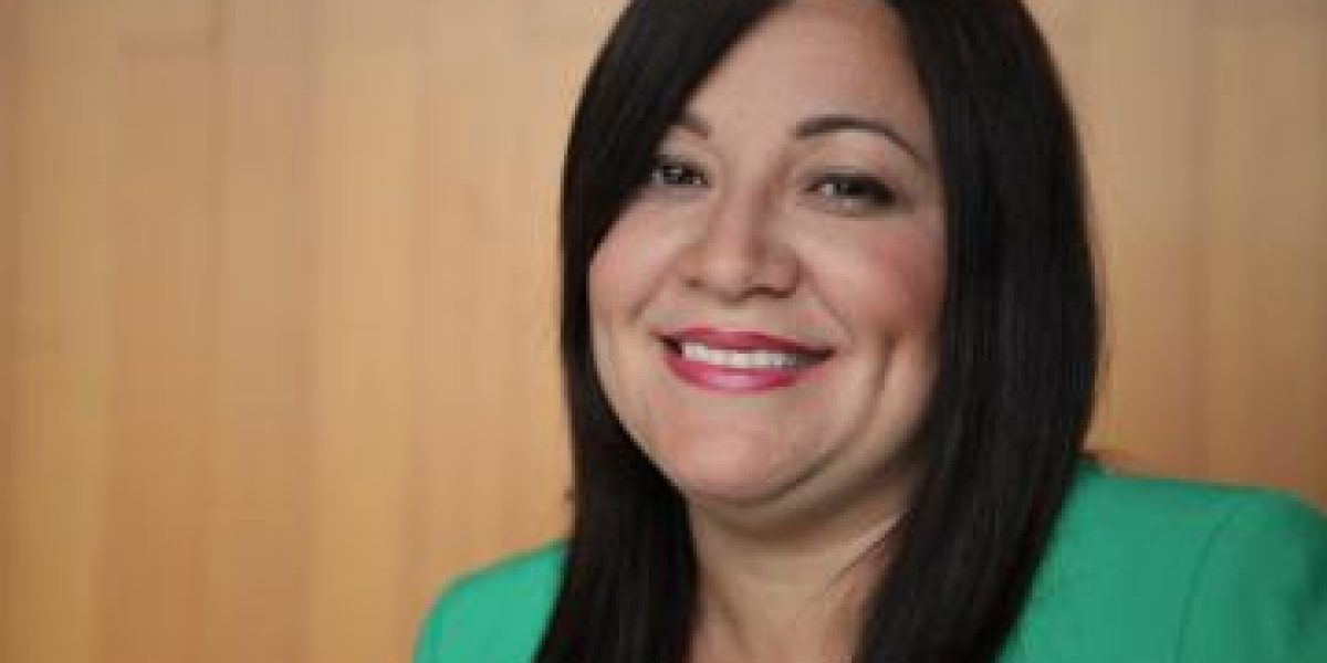 Alcaldesa de Morovis defiende labor de municipios ante la JCF
