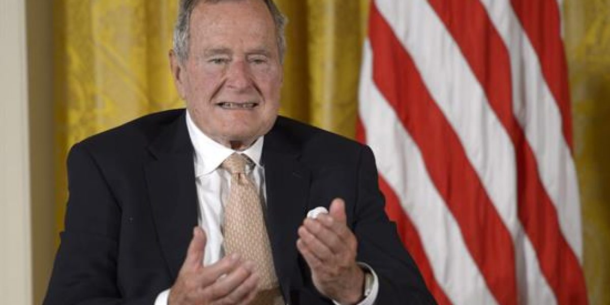 Bush padre sigue en cuidados intensivos
