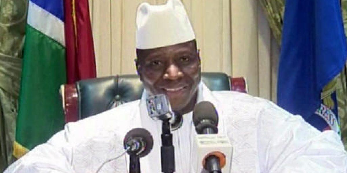 Ex líder de Gambia roba millones de dólares y huye del país