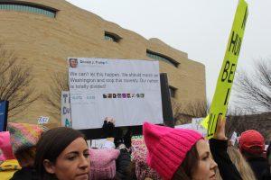 """Pancartas en la """"Marcha de las mujeres"""" en Washington D. C. / Foto: David Cordero Mercado"""